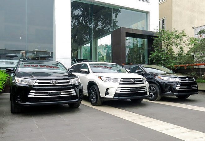 Toyota Highlander 2017 ve Ha Noi truoc Tet hinh anh