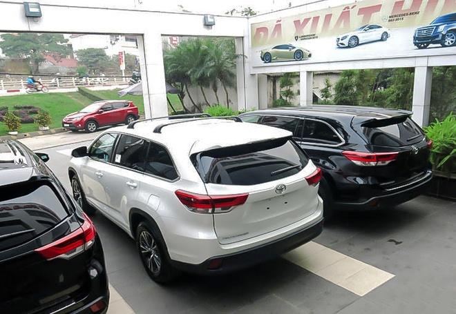 Toyota Highlander 2017 ve Ha Noi truoc Tet hinh anh 1