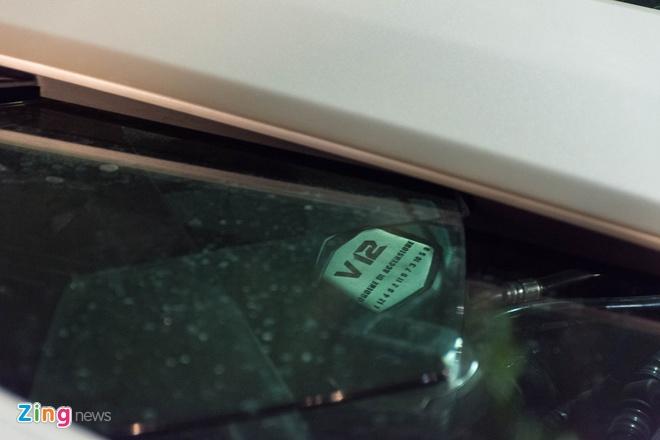 Lamborghini Aventador Roadster ra bien trang tai Ha Noi hinh anh 9