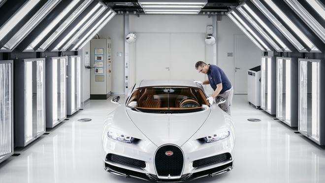 Noi san xuat sieu pham Bugatti Chiron hinh anh