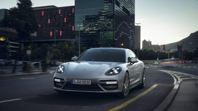Porsche Panamera Turbo S E-Hyrid trinh lang anh 1
