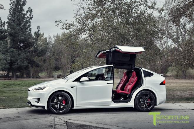 Xe dien Tesla Model X noi that Bentley rao gia 180.000 USD hinh anh 6