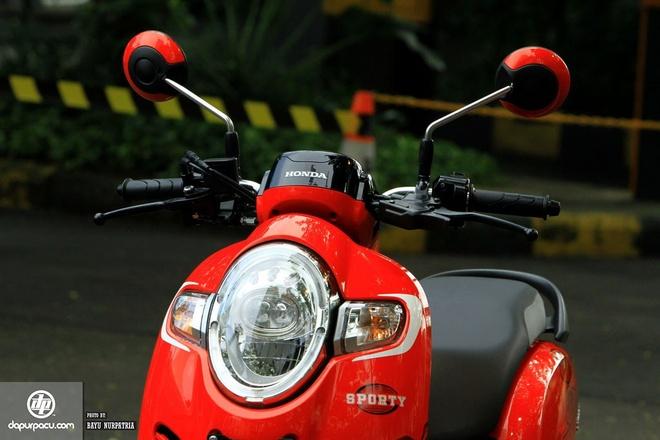 Honda Scoopy hoan toan moi gia khoang 1.335 USD hinh anh 3