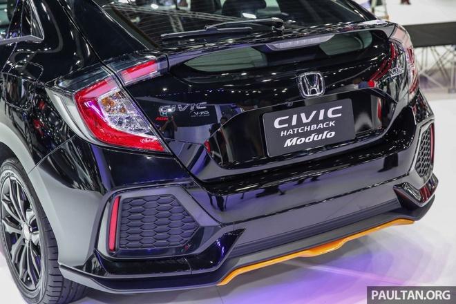 Honda Civic Hatchback 2017 Modulo anh 5
