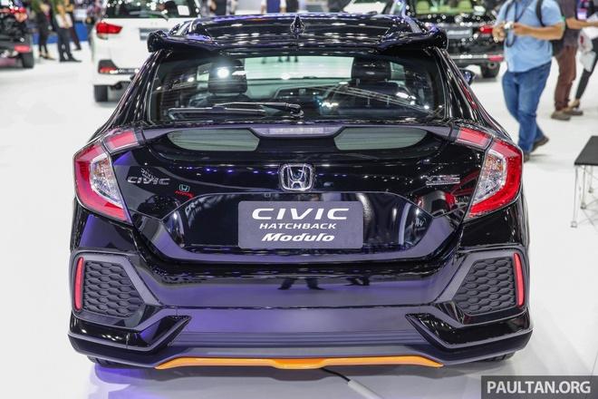 Honda Civic Hatchback 2017 Modulo anh 3