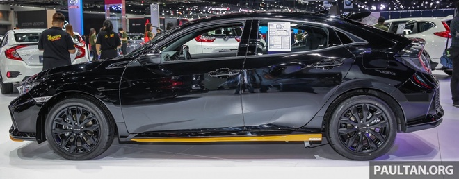 Honda Civic Hatchback 2017 Modulo anh 2