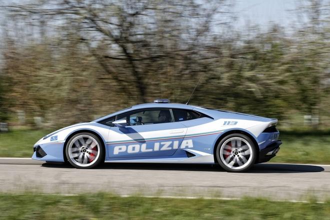 sieu xe Lamborghini Huracan canh sat Italy anh 2