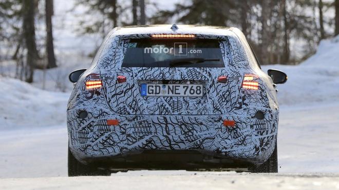 Mercedes-AMG A45 the he moi co cong suat tren 400 ma luc hinh anh 5