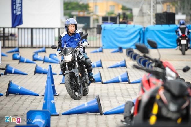 Yamaha MT-03 chinh hang gia 139 trieu dong tai Viet Nam hinh anh 2
