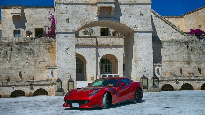 hon 100 sieu xe Ferrari hoi ngo anh 7