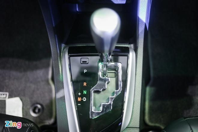Quyet dau Mazda3, Corolla Altis 2017 co nhieu thay doi hinh anh 10