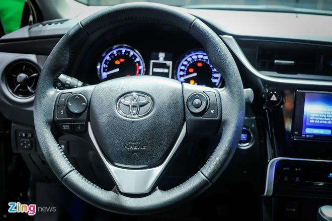 Quyet dau Mazda3, Corolla Altis 2017 co nhieu thay doi hinh anh 7