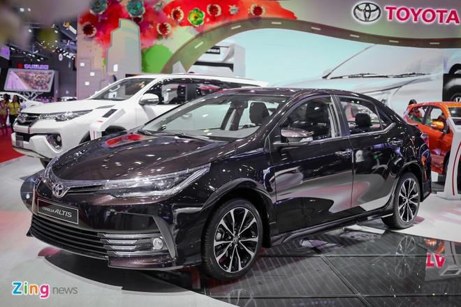 Toyota Corolla Altis 2017 gia tu 702 trieu dong tai Viet Nam hinh anh 1