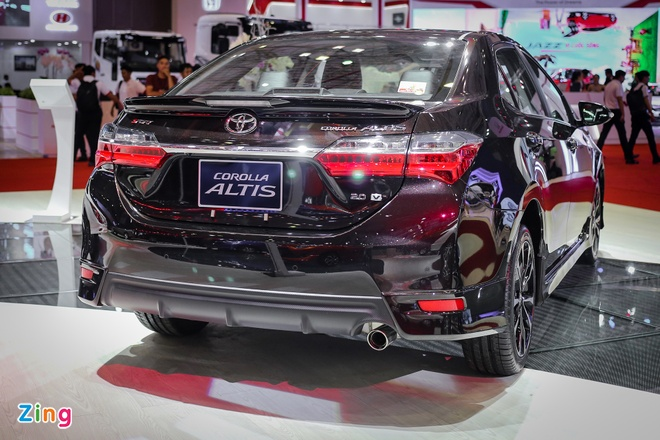 Quyet dau Mazda3, Corolla Altis 2017 co nhieu thay doi hinh anh 4