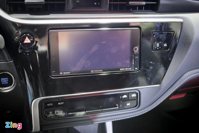 Quyet dau Mazda3, Corolla Altis 2017 co nhieu thay doi hinh anh 6