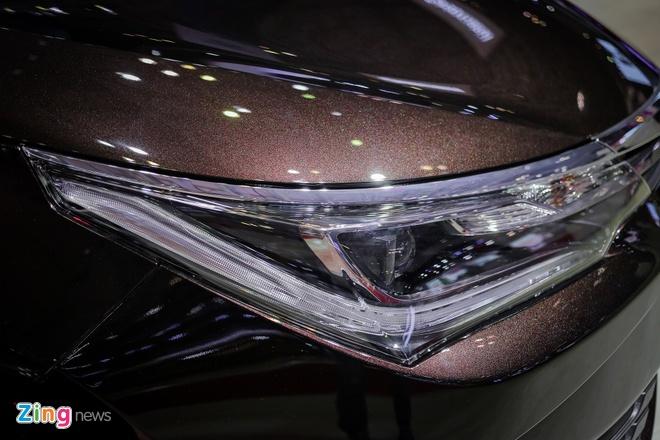 Quyet dau Mazda3, Corolla Altis 2017 co nhieu thay doi hinh anh 2