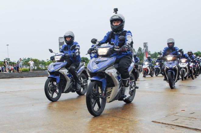 Hanh trinh vuot 3.000 km bang Yamaha Exciter cua biker Viet Nam hinh anh