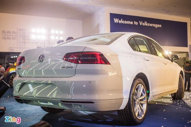 Volkswagen Passat phien ban moi canh tranh Camry, Mazda6 tai Viet Nam hinh anh 2
