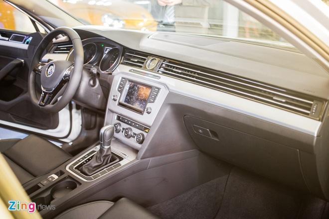 Volkswagen Passat phien ban moi canh tranh Camry, Mazda6 tai Viet Nam hinh anh 8