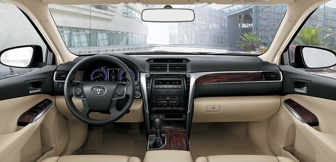 Toyota Camry 2017 them trang bi, giam gia ca tram trieu tai VN hinh anh 2