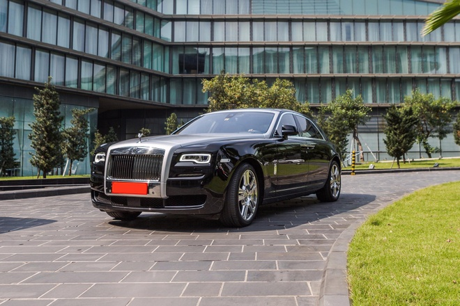 Rolls-Royce Ghost Series II chay luot gia hon 20 ty tai Ha Noi hinh anh