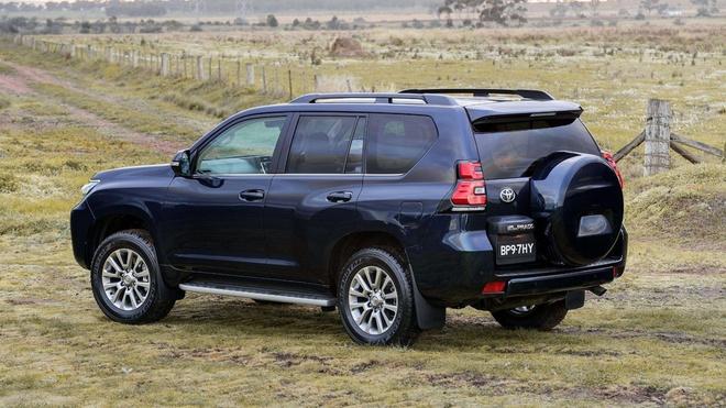 Toyota Land Cruiser Prado 2017 tai Viet Nam anh 3