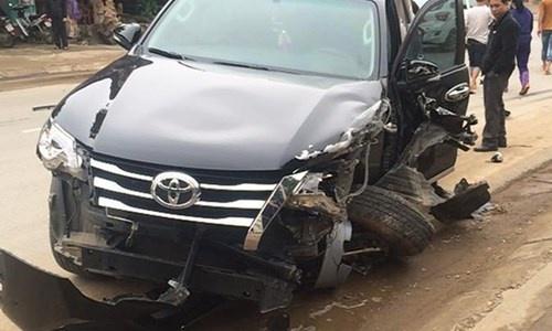 Toyota Fortuner 2017 nhau nat sau tai nan tai Dong Thap hinh anh 3