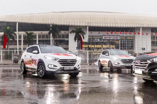 Dan xe Hyundai Tucson, Mazda CX-5 dan co tiep lua U23 Viet Nam hinh anh