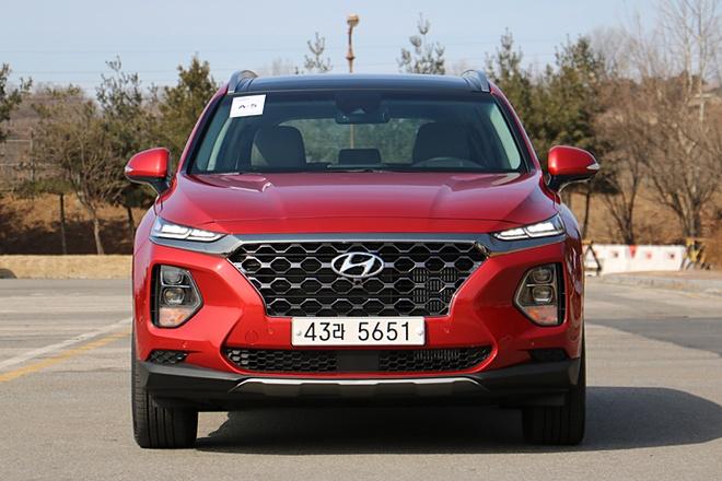 Hyundai Santa Fe 2019 lot xac hoan toan hinh anh
