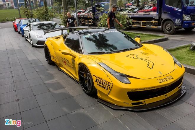 Dan sieu xe trieu USD do bo Ha Noi chuan bi cho Car & Passion hinh anh 6