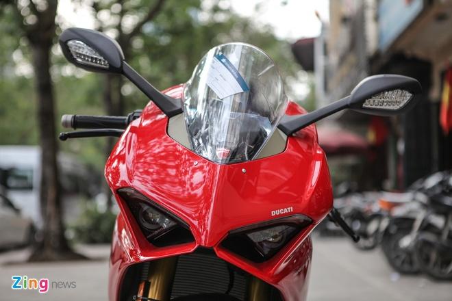 Sieu moto Ducati Panigale V4 S dau tien Dong Nam A ve tay biker Ha Noi hinh anh 4