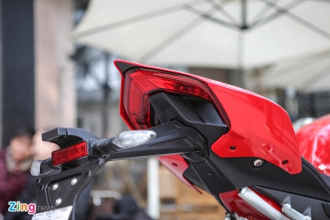 Sieu moto Ducati Panigale V4 S dau tien Dong Nam A ve tay biker Ha Noi hinh anh 5