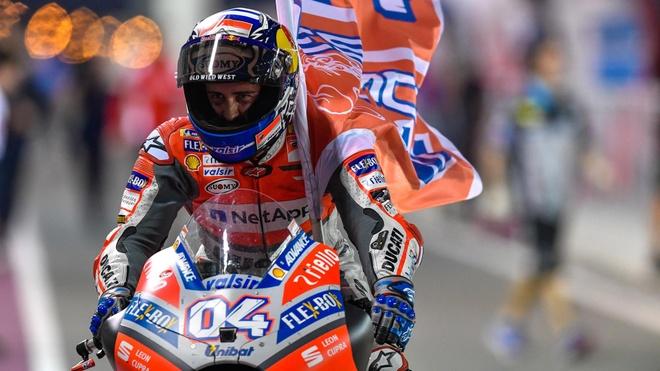 MotoGP 2018: Dovizioso danh bai Marquez, Rossi ve thu 3 hinh anh