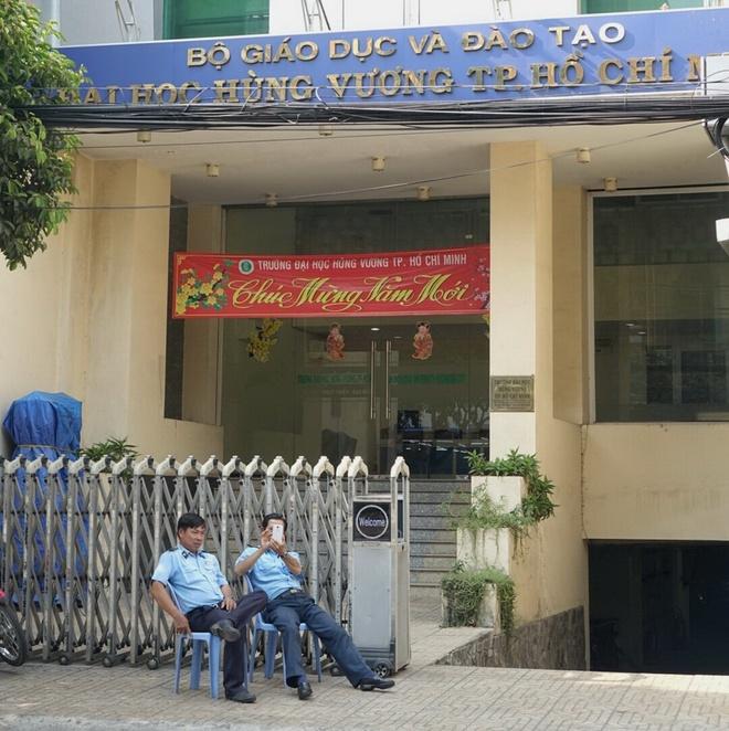 DH Hung Vuong TP HCM ky lai hop dong voi 80 giang vien hinh anh 1