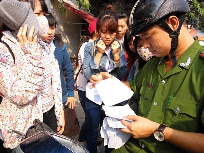 TP.HCM 'bo tay' voi phong kham Trung Quoc? hinh anh