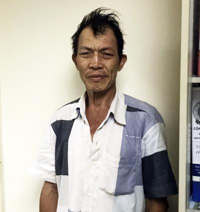 Bat nguoi dan ong trom 3 tui xach o san bay Tan Son Nhat hinh anh 1