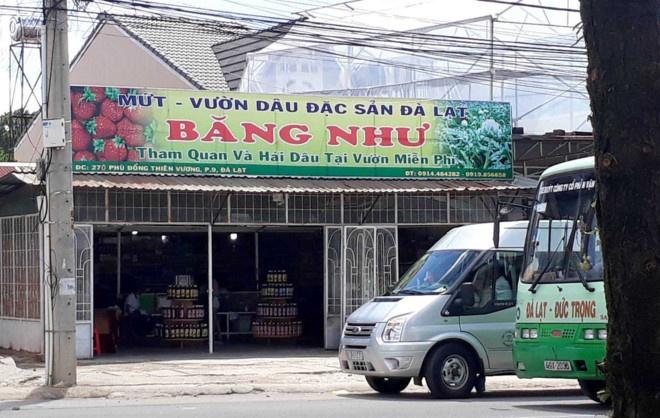 Xu phat hanh chinh chu tiem mut o Da Lat danh khach hinh anh