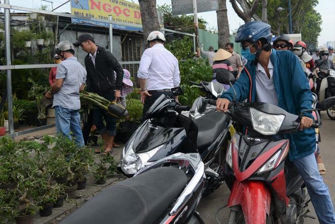 Giai toa 50 kiot ben san bay Tan Son Nhat, duong pho ket cung hinh anh 3