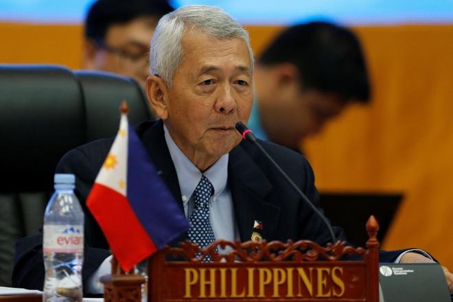 Manila 'van dong quyet liet' de ASEAN nhac toi phan quyet hinh anh