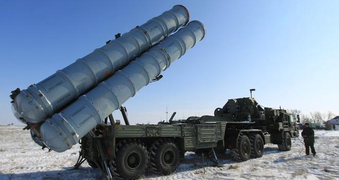Cang thang tang, Nga trien khai ten lua S-400 toi Crimea hinh anh