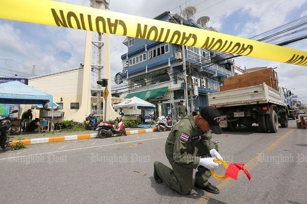 11 vu danh bom lien tiep tai Thai Lan, 4 nguoi chet hinh anh