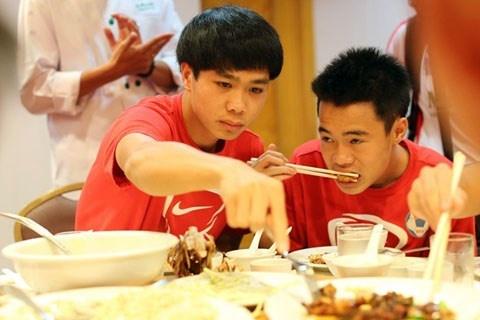 Arsenal don tiep chu dao U19 Viet Nam hinh anh