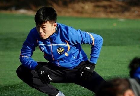 Xuan Truong chan thuong, lo tran khai man K.League hinh anh