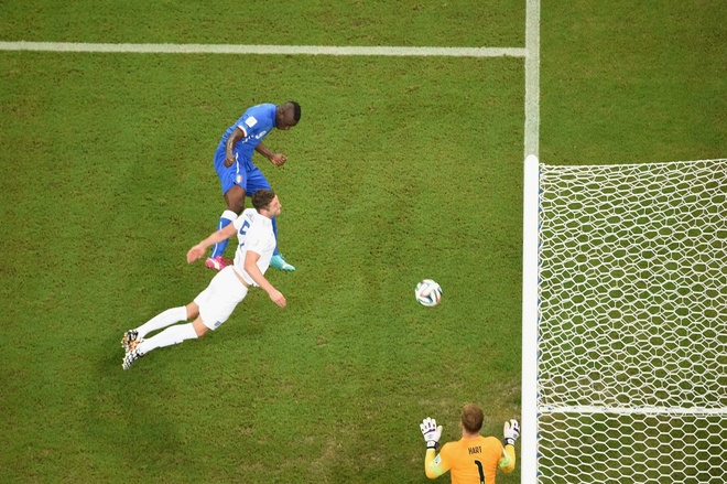 Nhung hinh anh dat gia nhat sau 56 tran World Cup 2014 hinh anh 2 an-aerial-view-of-that-balotelli-header