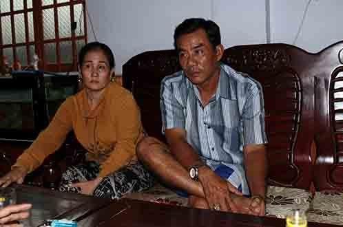 Me khoc het nuoc mat khi nghe tin con ca do hinh anh 5 Ba mẹ cầu thủ Phạm Hữu Phát tại nhà riêng vào chiều 22/7.