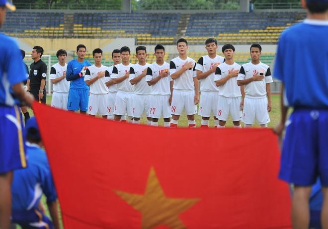 U19 VN se choi tan cong trong tran gap U21 Singapore hinh anh