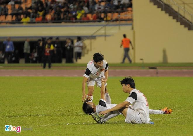 Cau thu U19 VN khoc nuc no sau tran thua Myanmar hinh anh 3