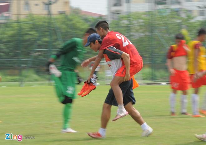 'DTVN khong phai ganh xiec ma trieu tap cau thu U19' hinh anh 2