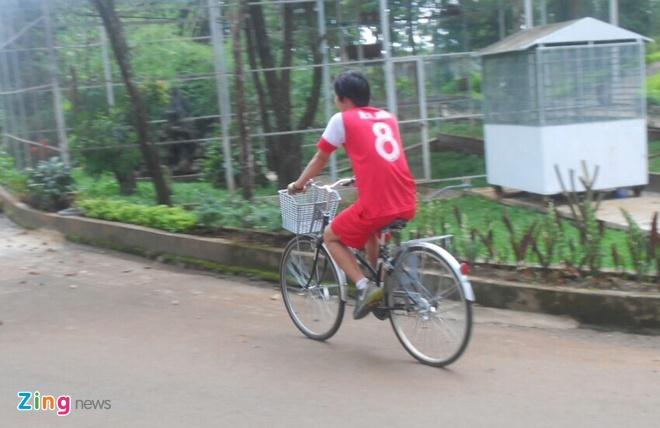 Tuan Anh dap xe de kip phuc hoi du VCK U19 chau A hinh anh 1