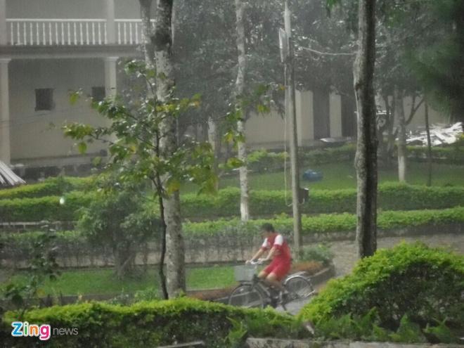 Tuan Anh dap xe de kip phuc hoi du VCK U19 chau A hinh anh 2